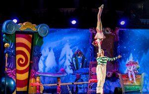 Vegas acrobats